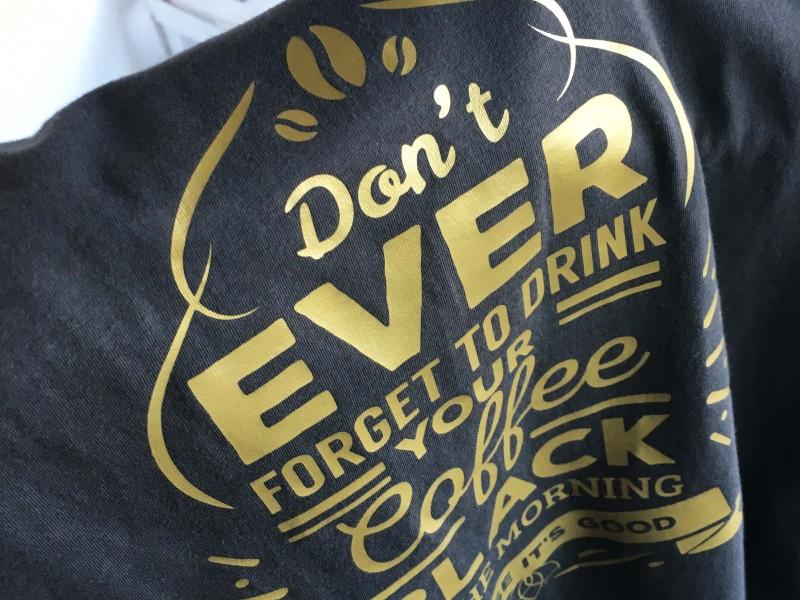 Stampa T-Shirt personalizzate tramite termoadesivo color oro