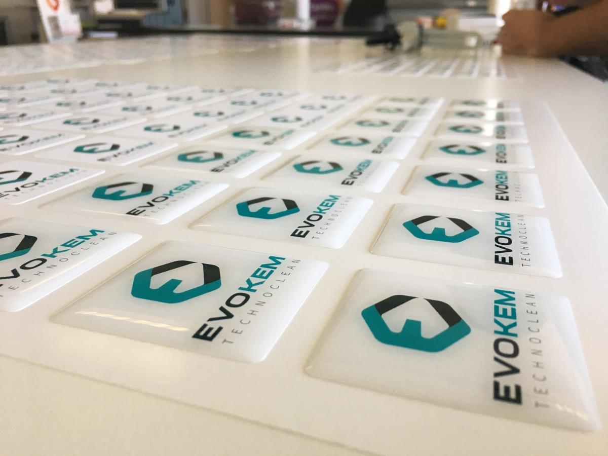 Adesivi resinati 3D a Venezia, etichette adesive in rilievo
